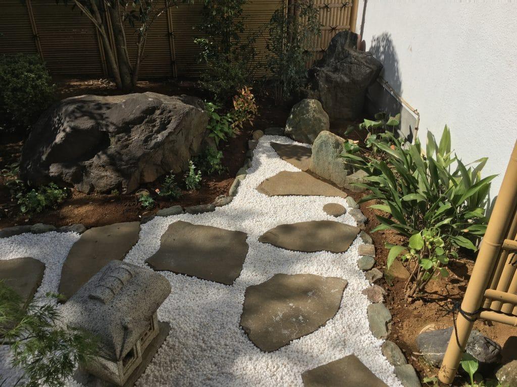 本覚寺中庭