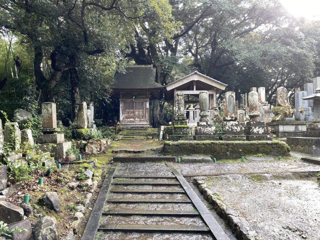 妙成寺内 開山堂